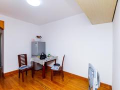 候潮公寓 江城路边上 标准一室一厅 清爽装修 家具全新二手房效果图