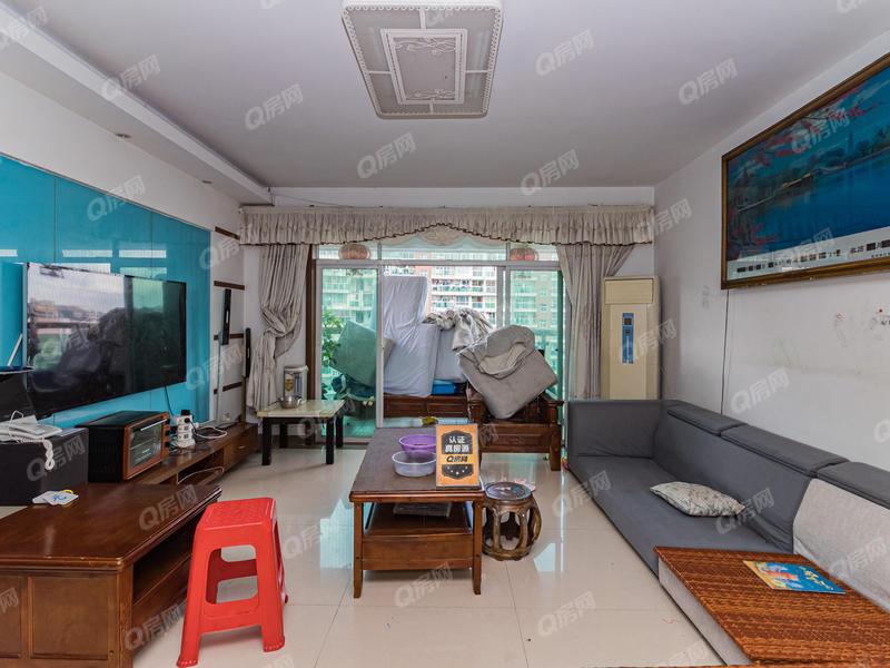 桂冠华庭 精装居家大五房,业主诚心出售,看房方便