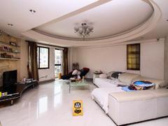 东城中心 东城中 心3室2厅1厨2卫 216.0m² 满五年二手房效果图