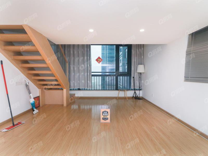 奥园峯荟 出售带独立红本两房 不限购不限贷的公寓通燃气带阳台