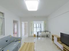前海铂寓 精装大两房 带家私电器 随时可以入住租房效果图