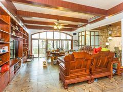 圣莫丽斯 临湖别墅出租,家私家电全齐,看房提前预约租房效果图
