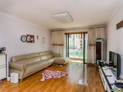 湖畔天城 3室2厅1厨2卫 135.4m² 精致装修二手房效果图