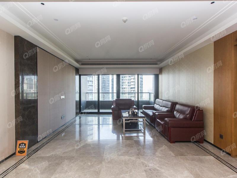 前海观一 3室2厅1厨2卫176.54m²满五年朝东南
