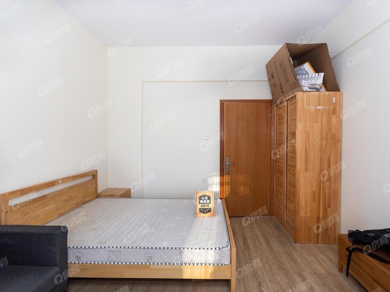 恒丰公寓 精装电梯1房 看花园 可 读 书 住家温馨舒适