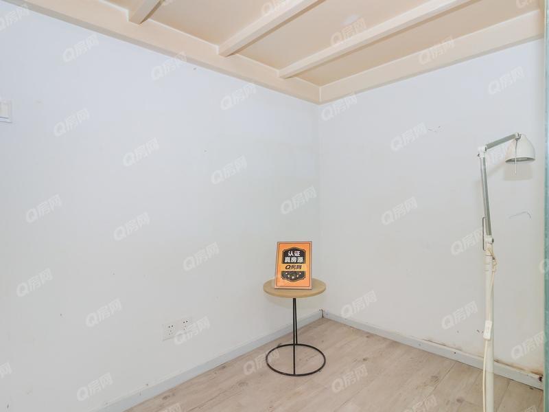 前海寓见 1室1厅1厨1卫13.32m²精致装修